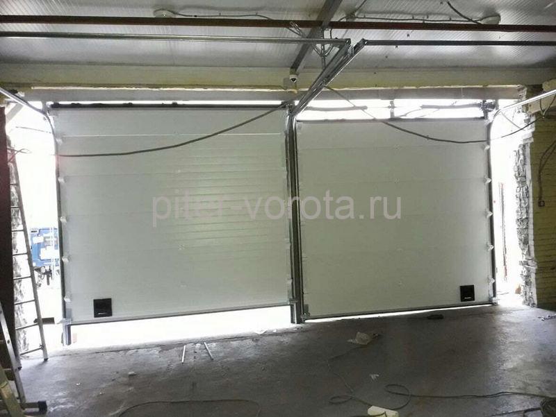 Гаражные подъёмно-секционные ворота на Левашовском шоссе