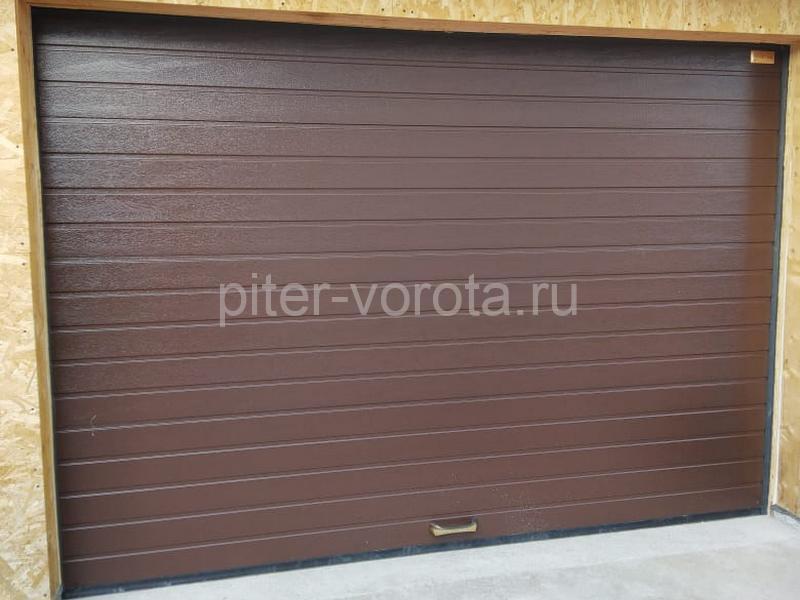 Ворота гаражные подъёмно-секционные Alutech Prestige в Выборге