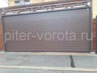 Ворота гаражные подъёмно-секционные Alutech серии Classic в Зеленогорске