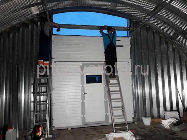 Промышленные подъёмно-секционные ворота в д. Пигилево