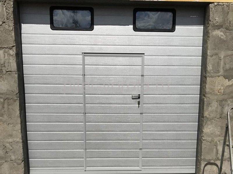 Гаражные подъёмно-секционные ворота Doorhan RSD02 в Ям-Ижоре