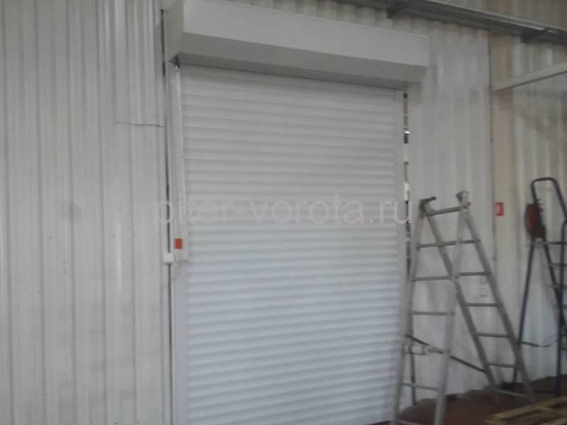 Роллетные ворота DoorHan с противопожарной шторой в Потанино