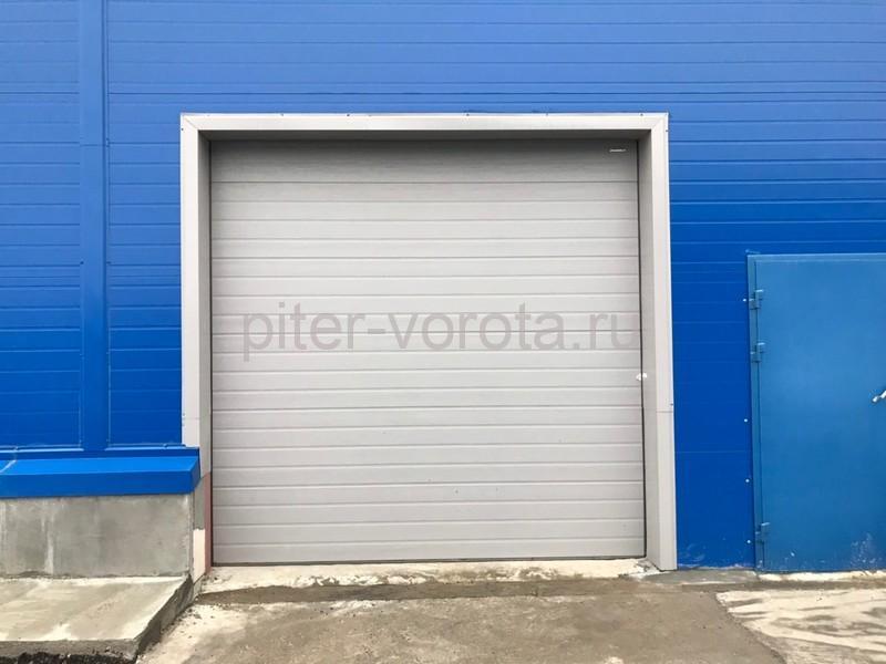 Четыре комплекта промышленных ворот DoorHan ISD01 и гаражных RSD02 в Мурино
