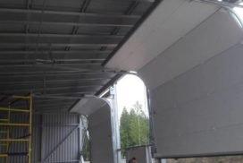 Промышленные подъёмно-секционные ворота DoorHan ISD01 в Юкки, фото 2