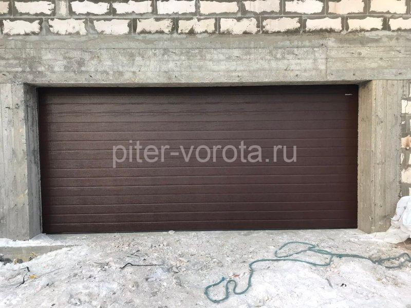 Гаражные подъёмно-секционные ворота DoorHan RSD02 в Маслово