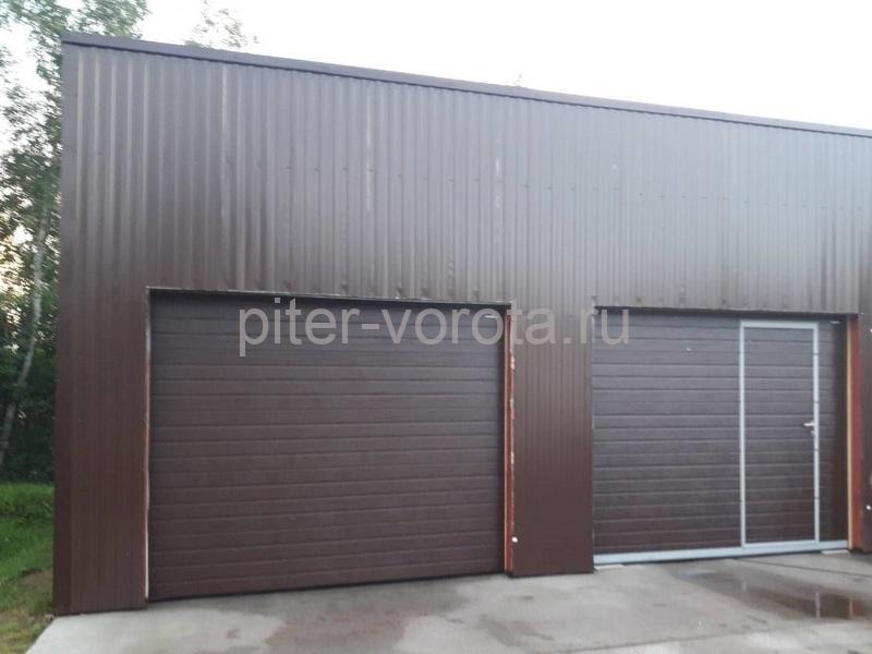 Гаражные подъёмно-секционные ворота Doorhan RSD02 в Сортавале